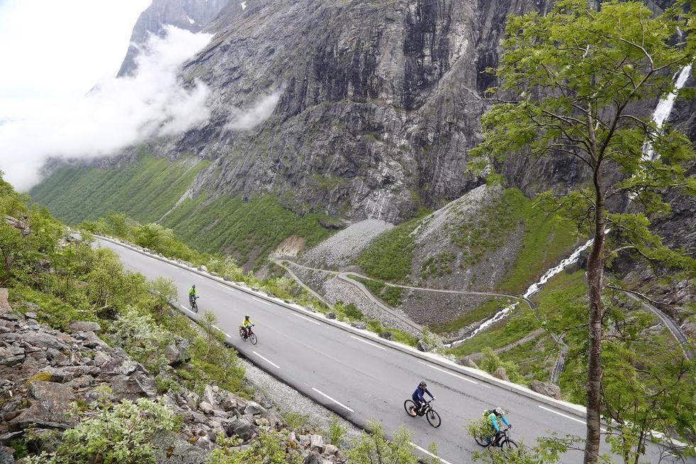 Trollstigen på sykkel. Jeg trodde det bare var for sykkelsprekingene.   Foto: Jan Sverre Sivertsen