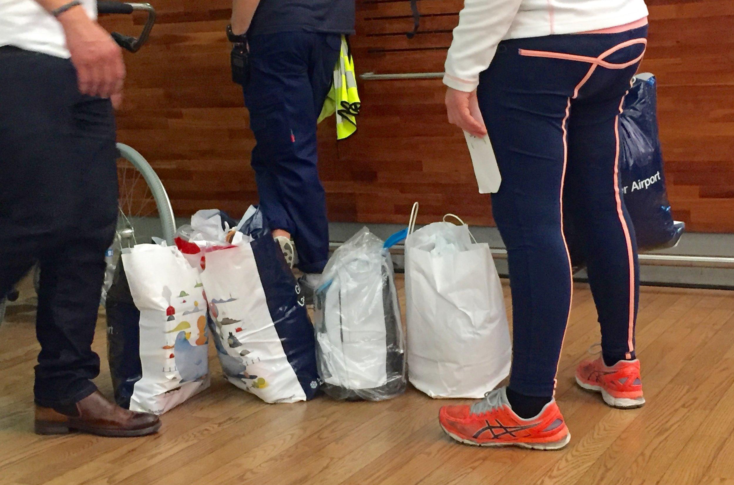 Nei, du kan ikke ta med deg flyttelasset ditt som håndbagasje.  Foto: Odd Roar Lange