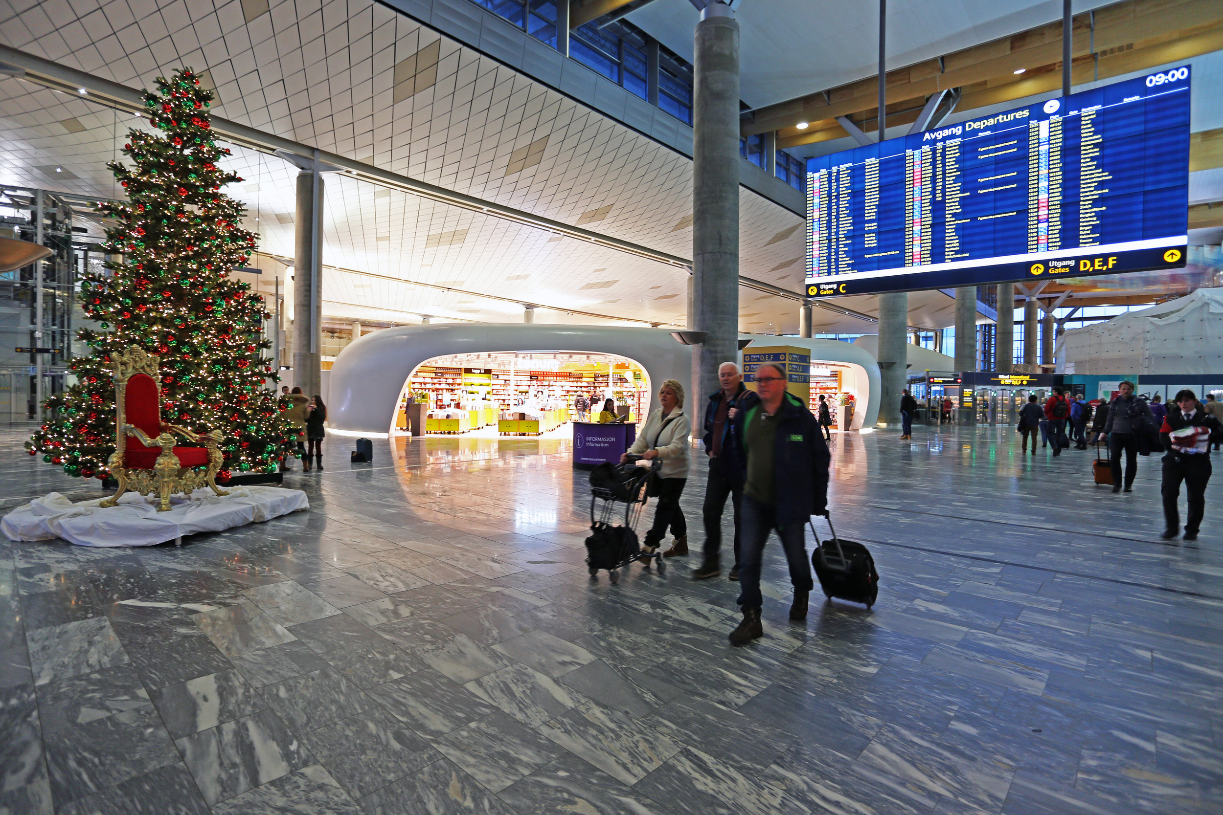 Tanum har fått plass i nye lokaler (den luse hulen) på Gardermoen. Foto: Avinor Oslo Lufthavn