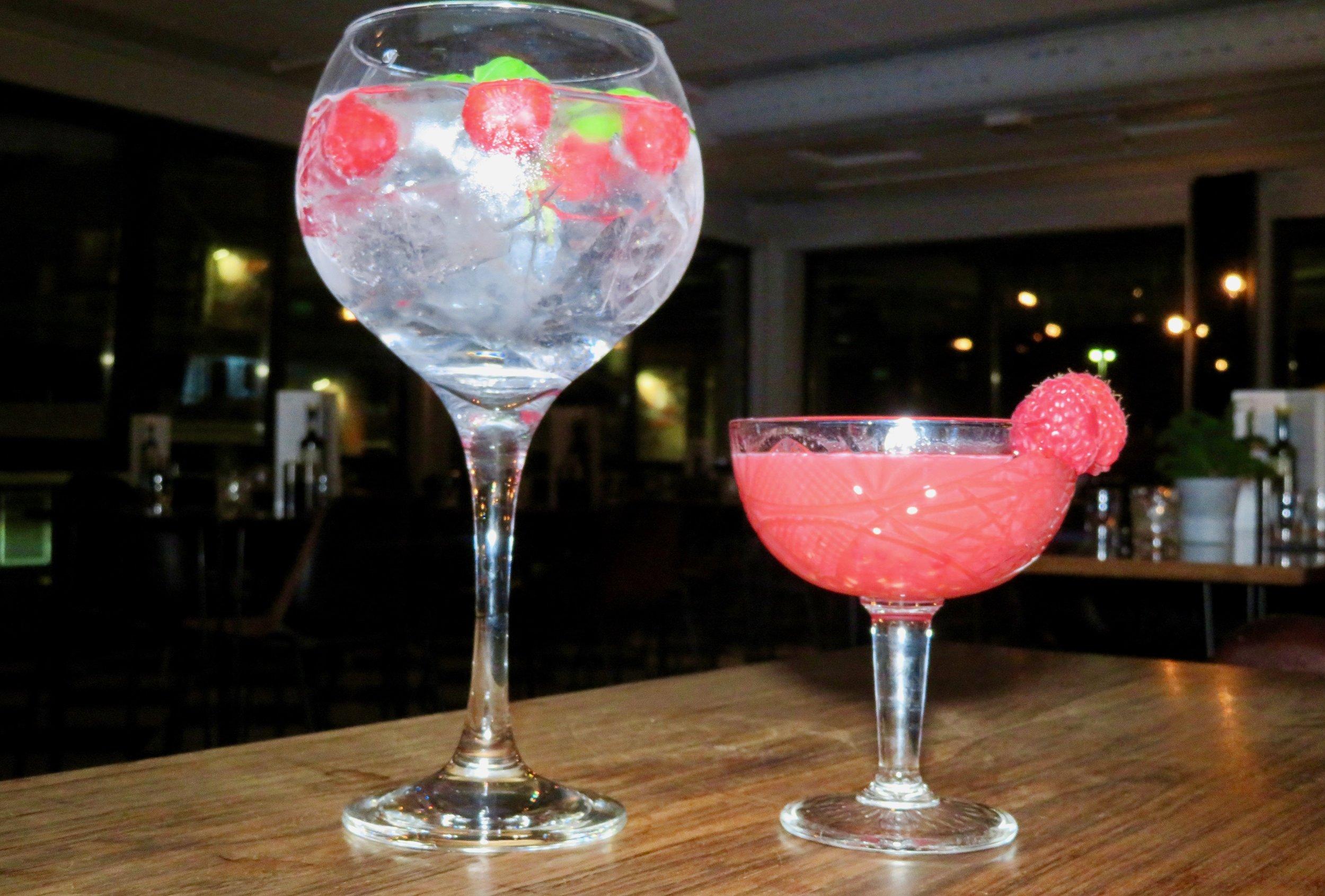 Sommerfølelse på to glass.                           Foto: Odd Roar Lange