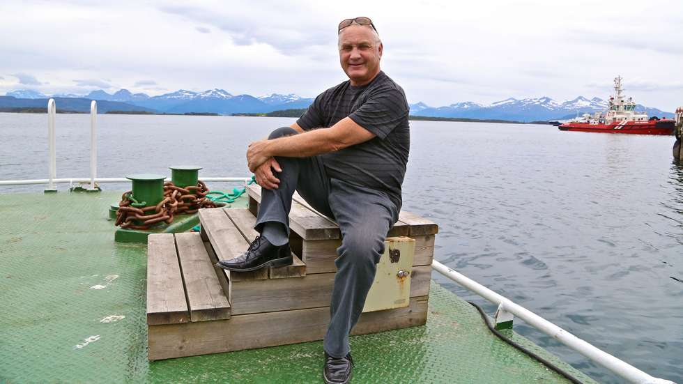 EN GLEDENS DAG: Sommeren 2014 fikk Erik Berg fart i planene om båskyss til Hjertøya. Classic Norway-sjefen fikk med en rekke bedrifter på spleiselag. Foto: Odd Roar Lange