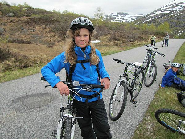 Nå kan du oppleve det fineste av Norge - til fots eller på sykkel. Foto: Den Norske Turistforening.