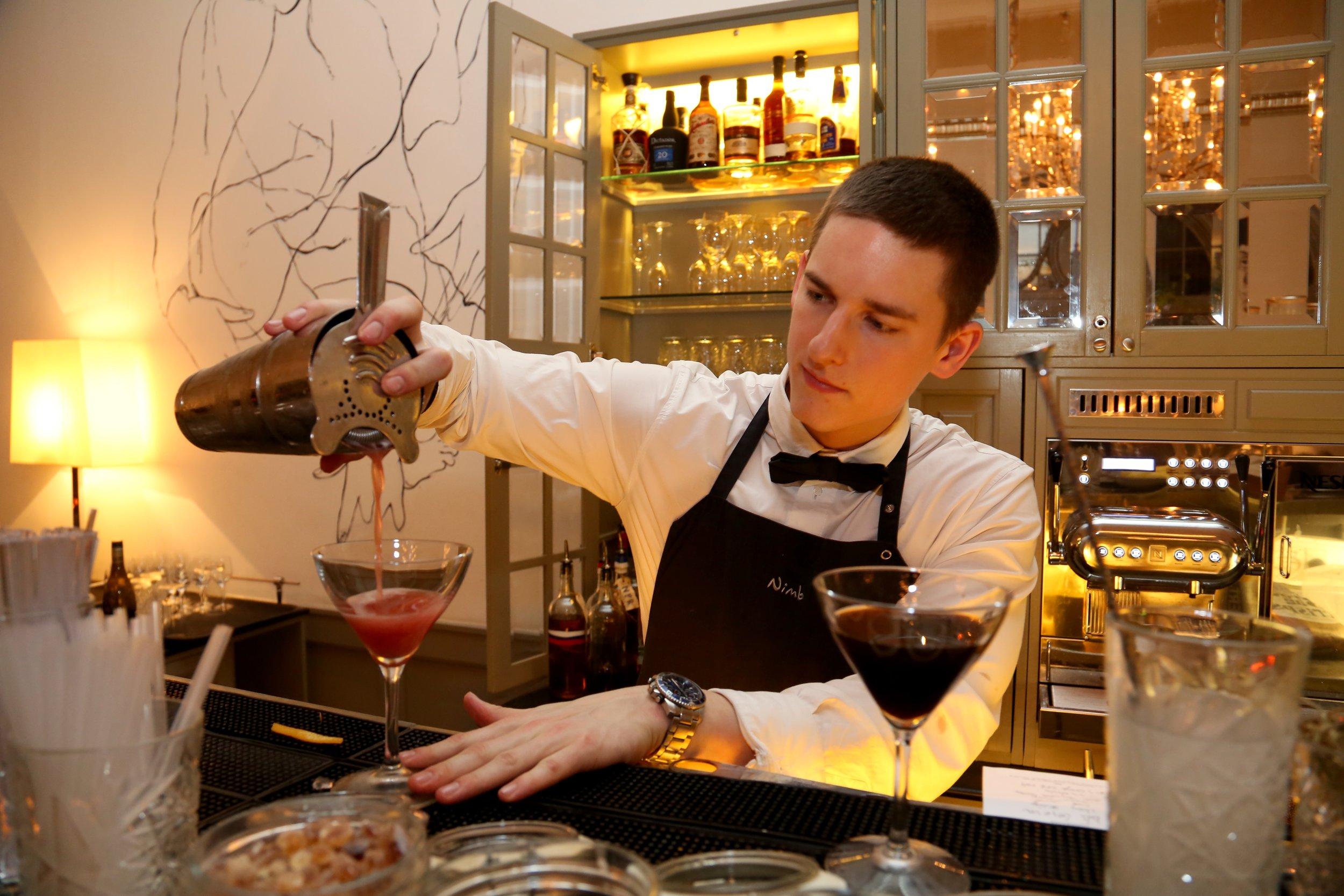 bar-drink-cocktail-thetravelinspector