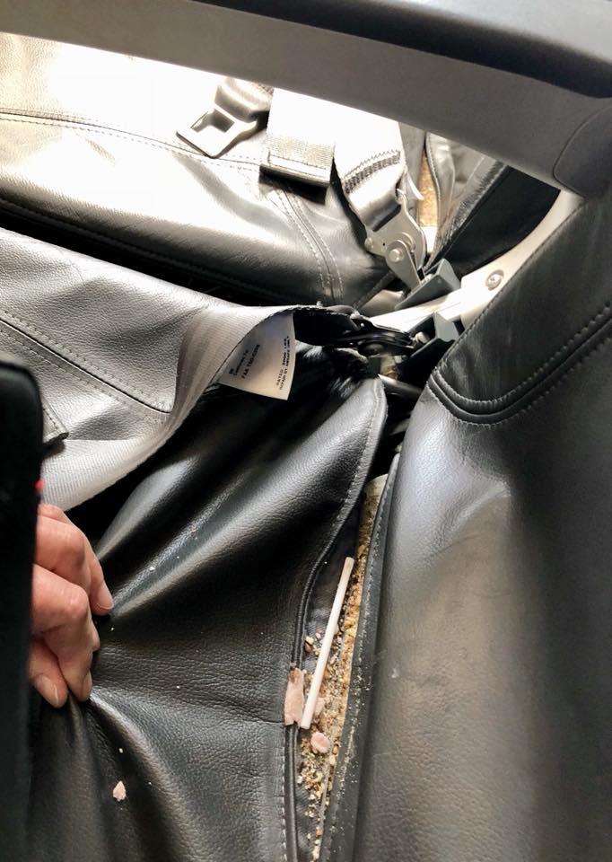 Auda: Plastrester og matrester i skjønn forening. Dette synte møtte passasjeren på flyet. Alle foto: Kristine Brunmark