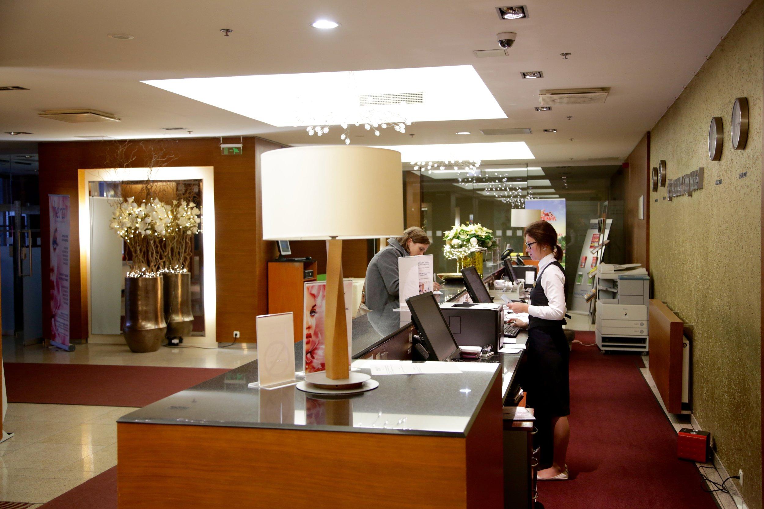 Lar du hotellet beholde passet ditt?                   Foto: Odd Roar Lange