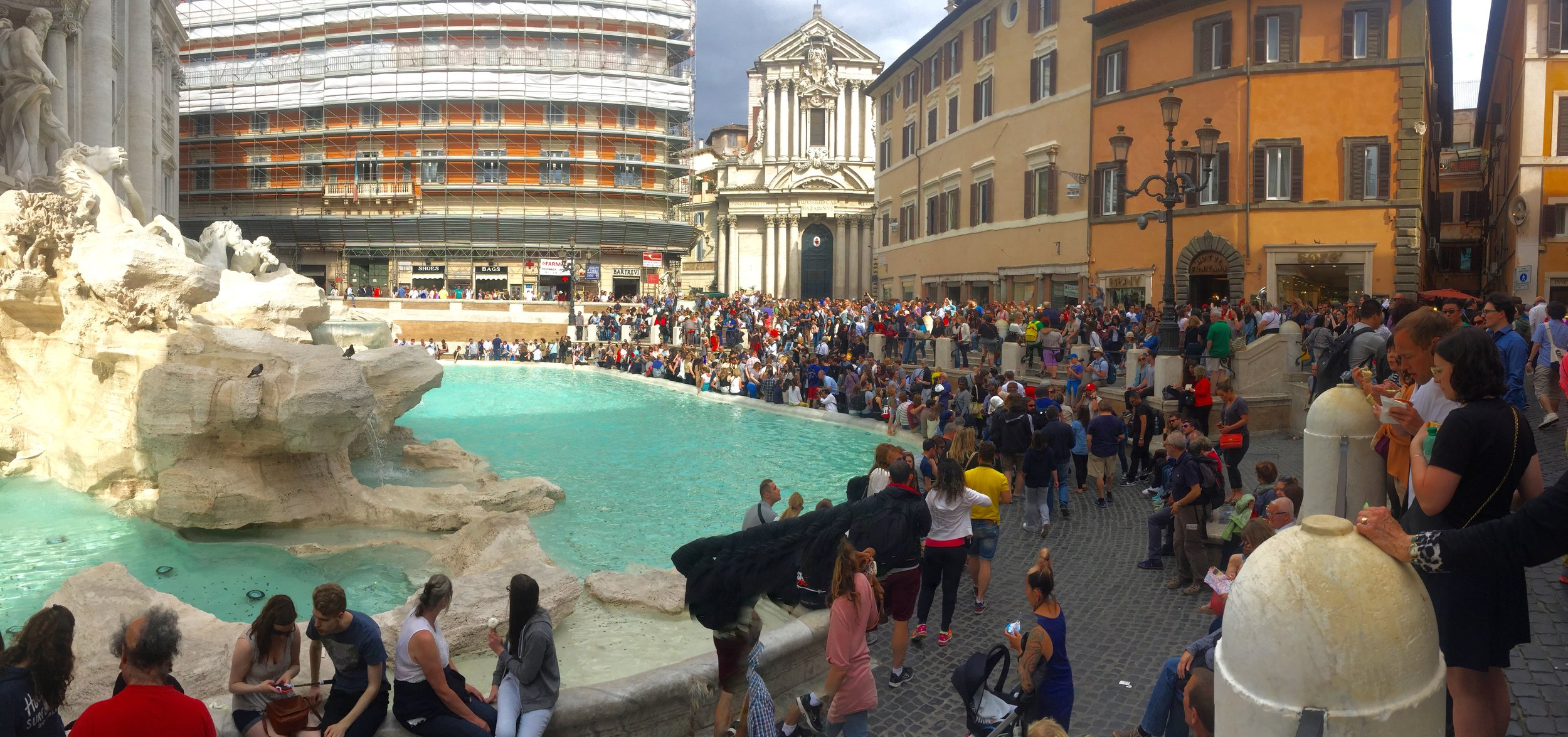 Nei, ikke bruk fontenene i Roma til bading.                  Foto: Odd Roar Lange
