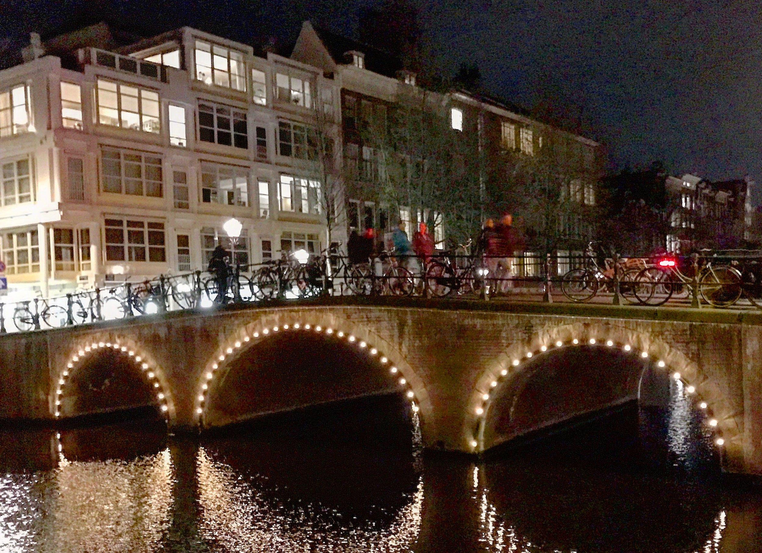 Amsterdam by night                                 Foto: Odd Roar Lange