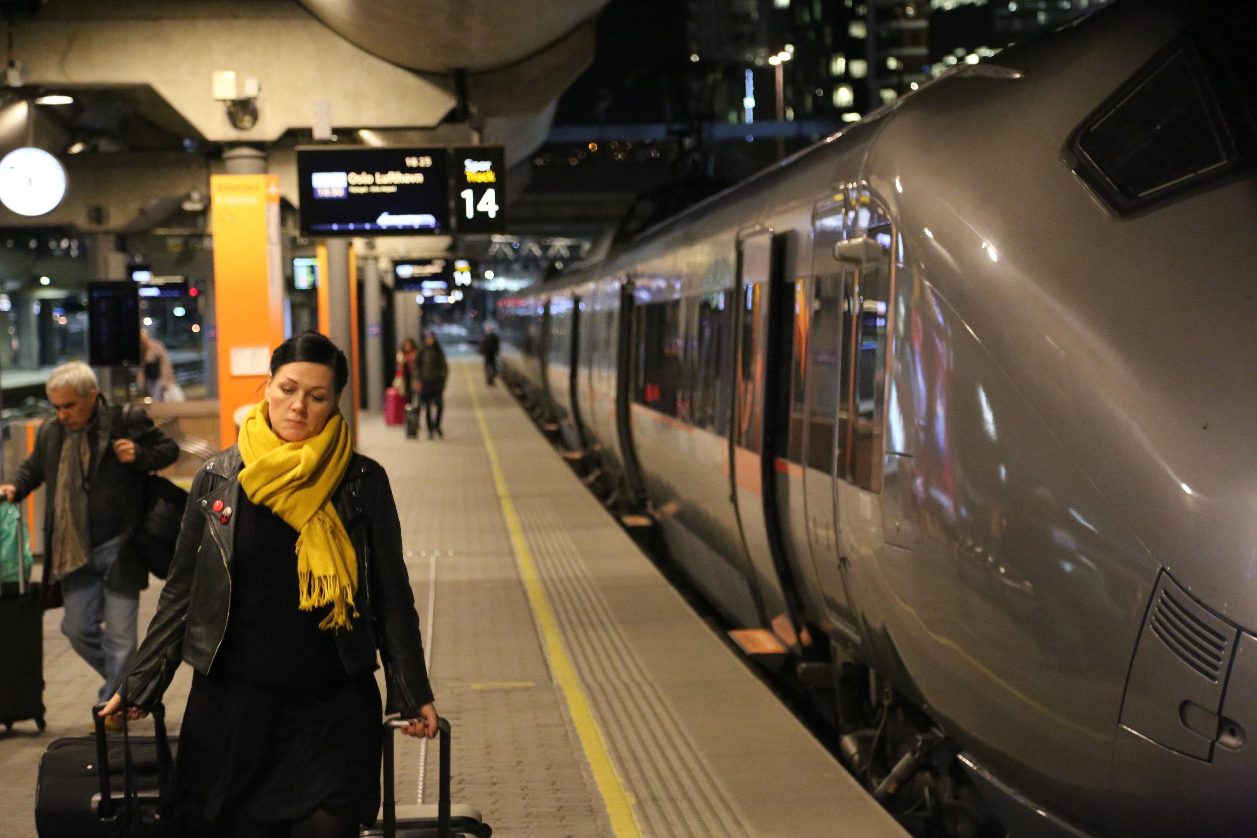 Reiser du med Flytoget så kan du fortsatt få Eurobonuspoeng. Foto: Odd Roar Lange