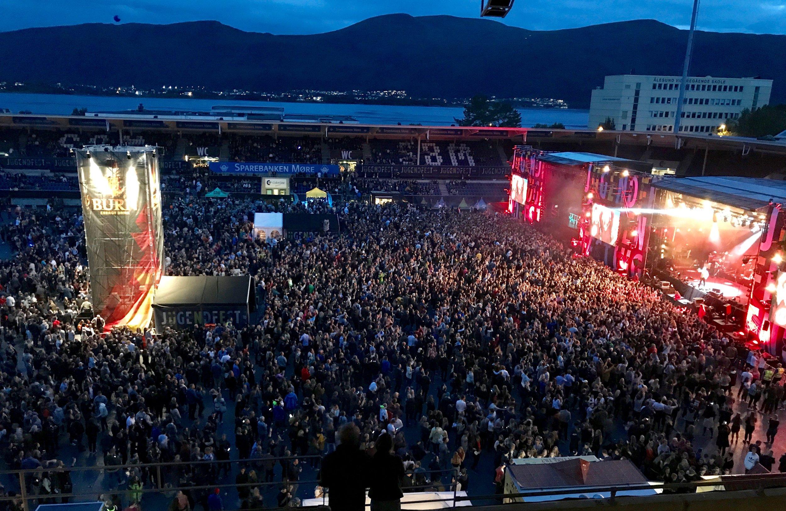 Jugendfest i midten av august er en veldig bra musikkfestival som samler både verdensstjerner og lokale artister.                                       Foto: Odd Roar Lange