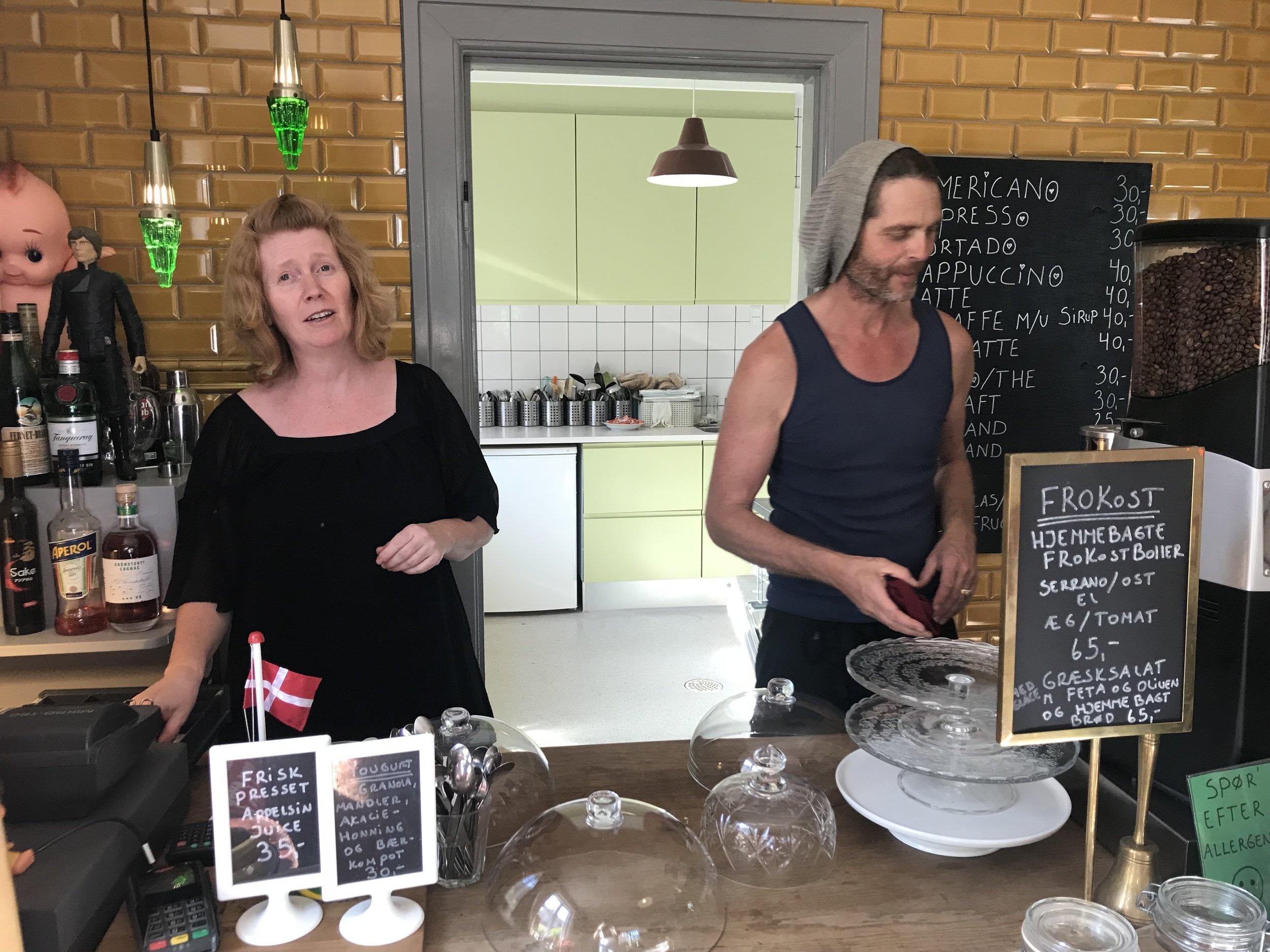 Ta turen til Camilla og Michael på Albis kaffebar.          Foto: Odd Roar Lange