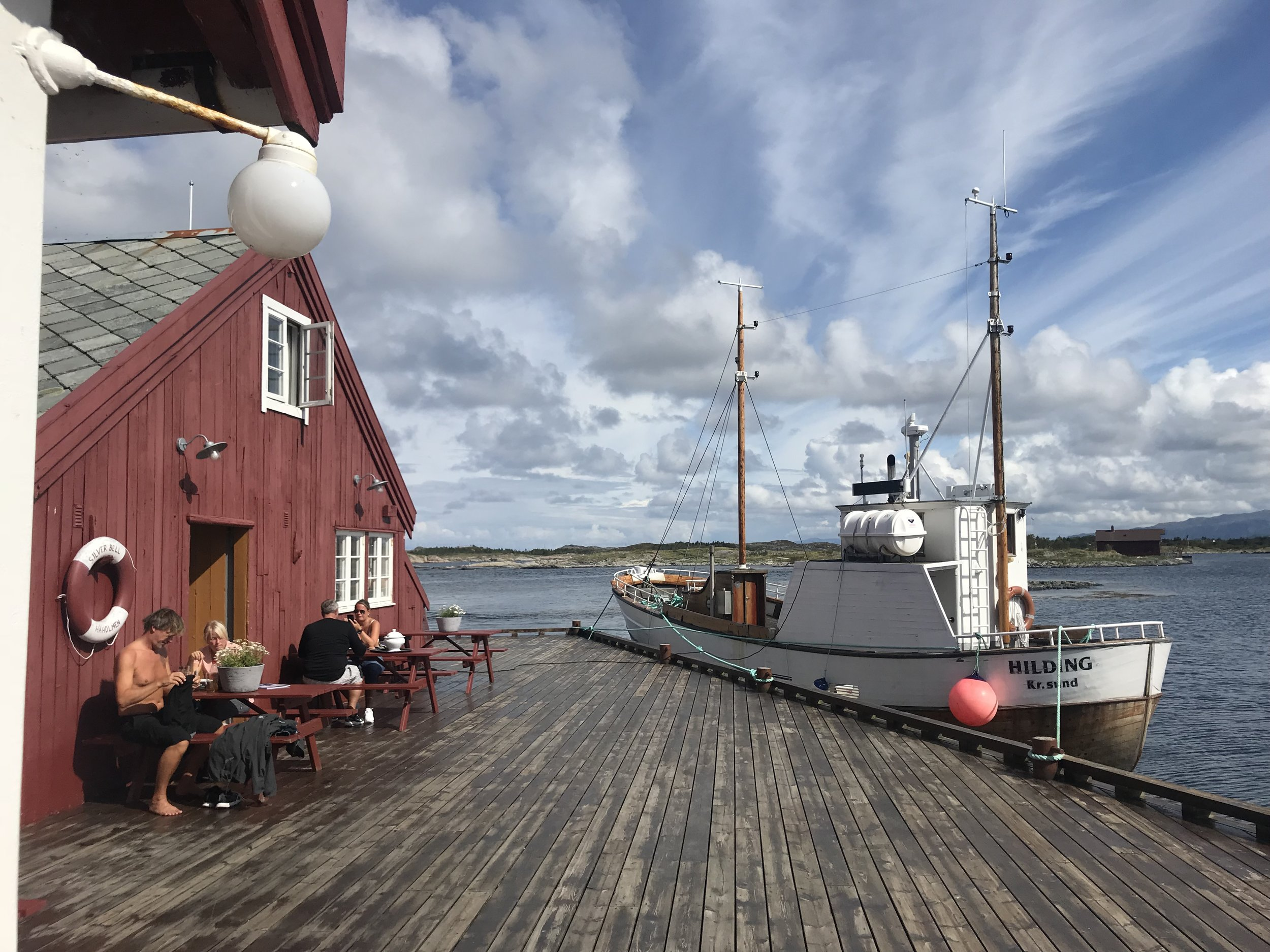 Det gode livet på brygga på Håholmen