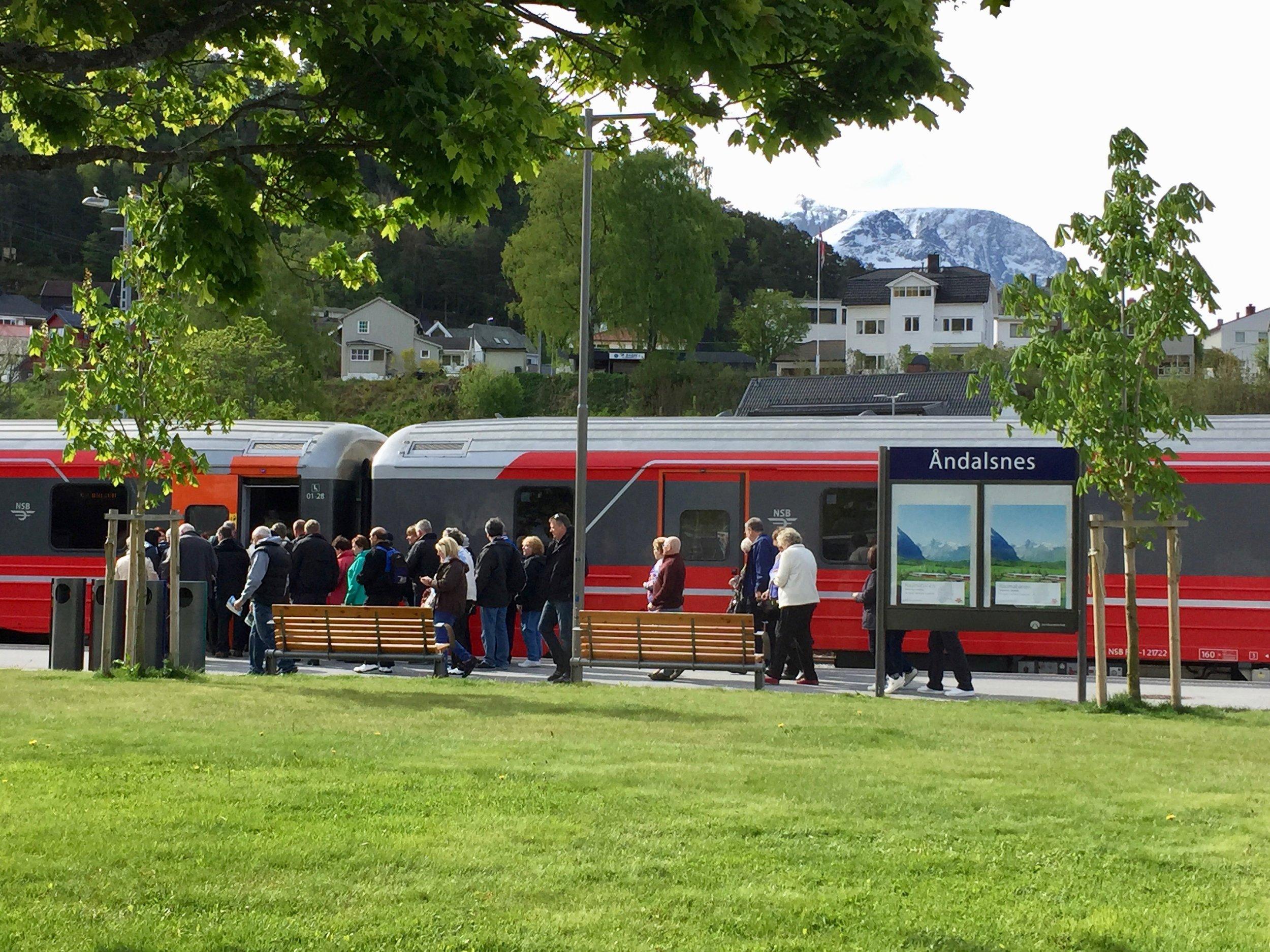 Åndalsnes bør satse på utvikling av Raumabanen i turistsammenheng. Det kan gi den verdiskapingen kommunen virkelig trenger. Foto: Odd Roar Lange