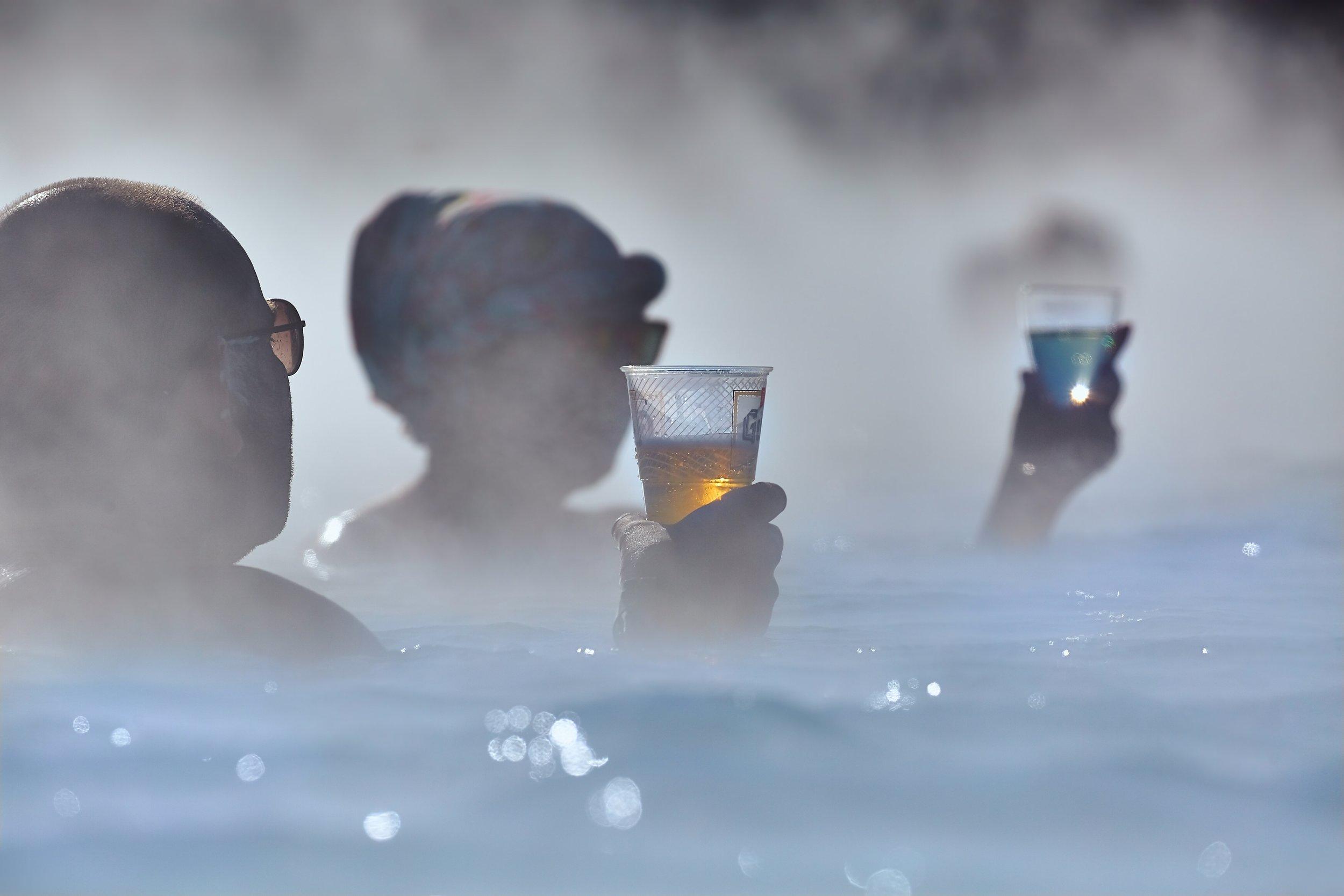 Blå lagune og øl - eller dra til Akureyri og prøv ølbadet der