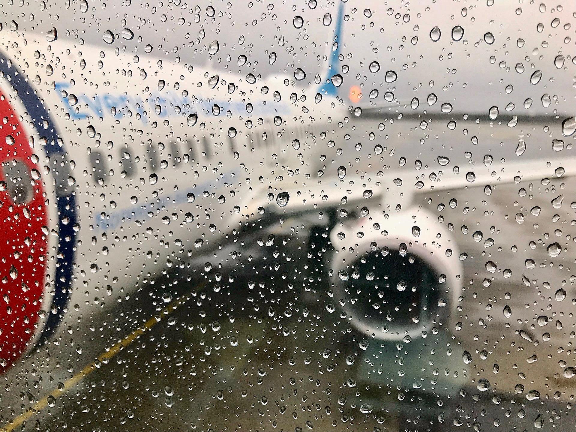 Været fører ofte til forsinkelser som flyselskapene ikke børsrapporterer. Foto: Odd Roar Lange