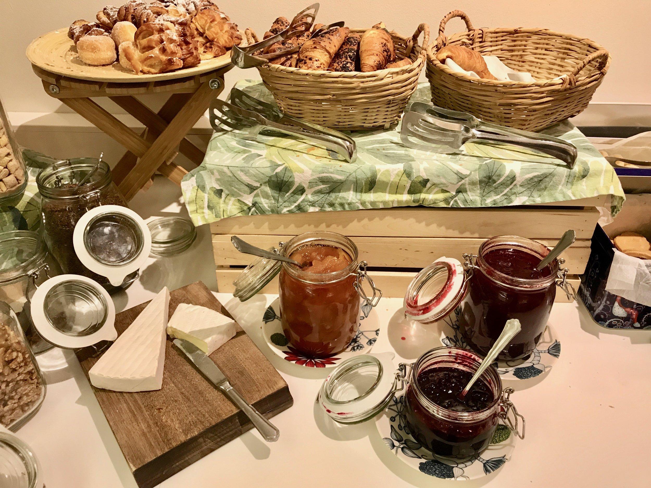 God start på dagen. Det handler om frokost. Foto: Odd Roar Lange