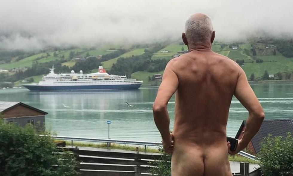 Svein Ingvald Opdals - kledde av seg selv i cruiseprotest ved Olden i Nordfjord. Det endt med at han kler av cruisebransjen. Foto: Privat