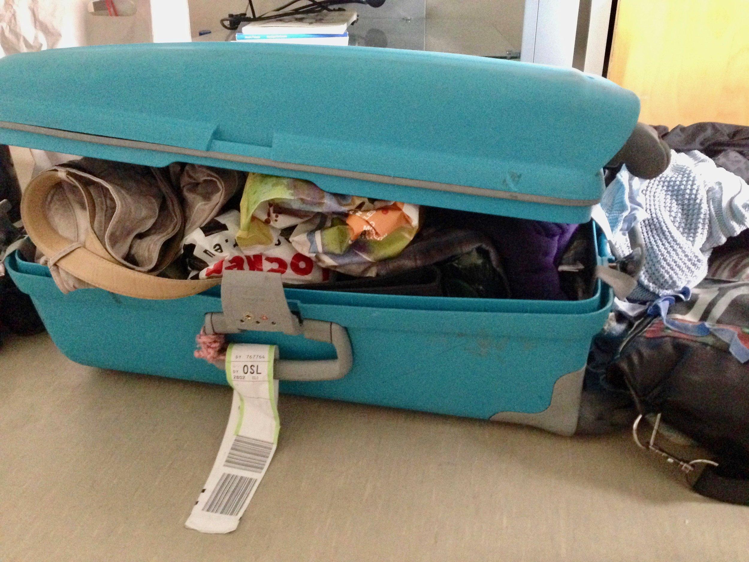 Ser kofferten din slik ut når du skal reise hjem? Det finnes heldigvis råd. Foto: Odd Roar Lange