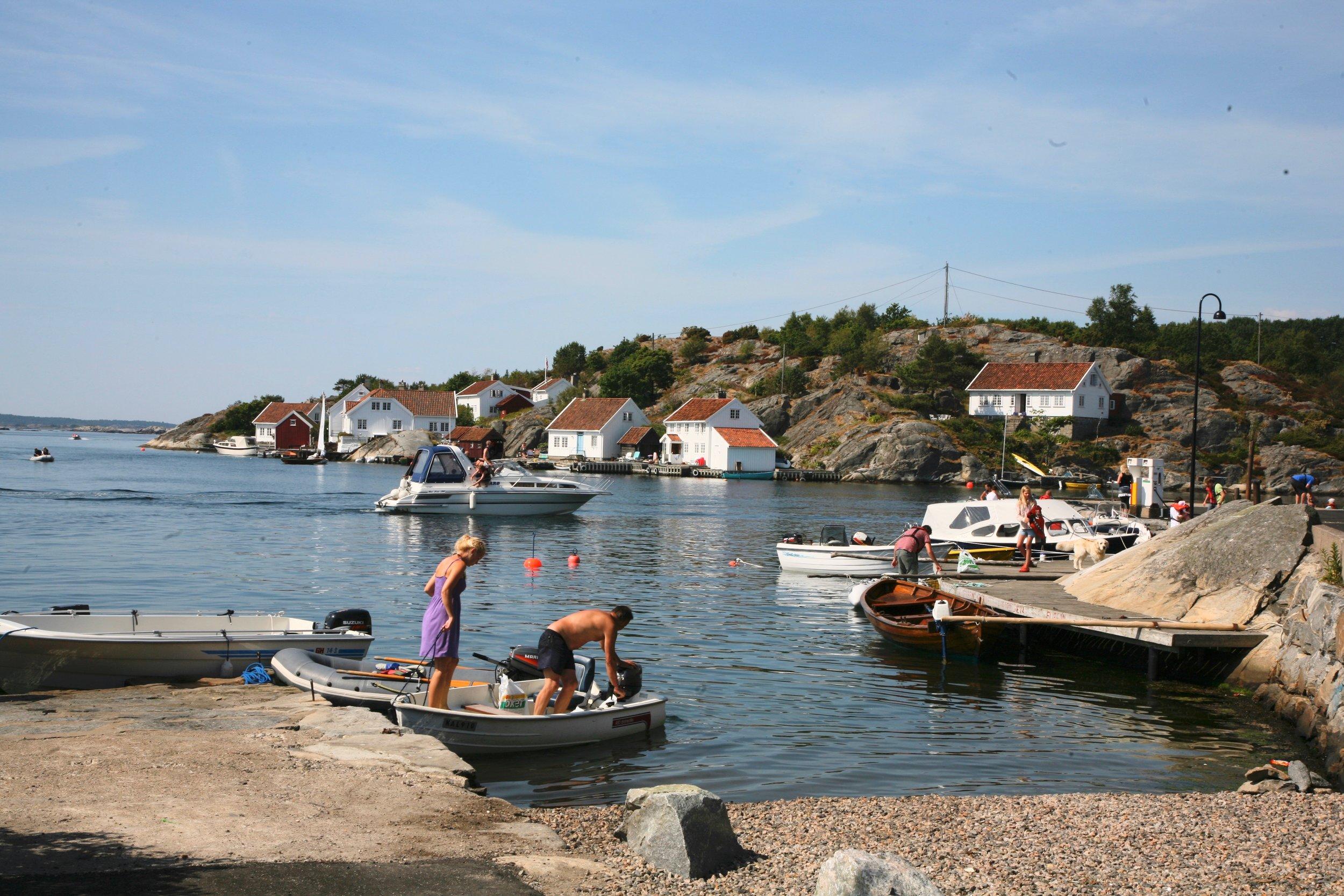 Småjoller kan slite seg. Men hvordan skal politiet finne eieren hvis båten ikke er merket? Foto: Odd Roar Lange