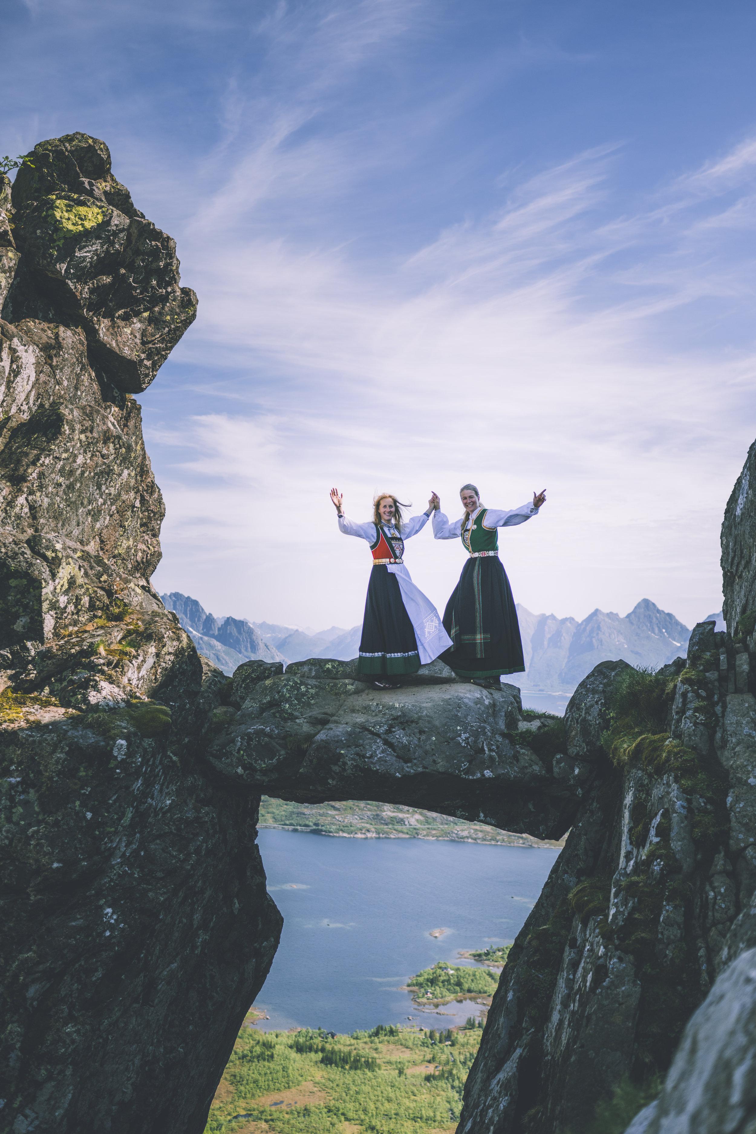 Topptur til Djevelporten i Svolvær. Foto: Marius Dalseg Sætre/Turistforeningen