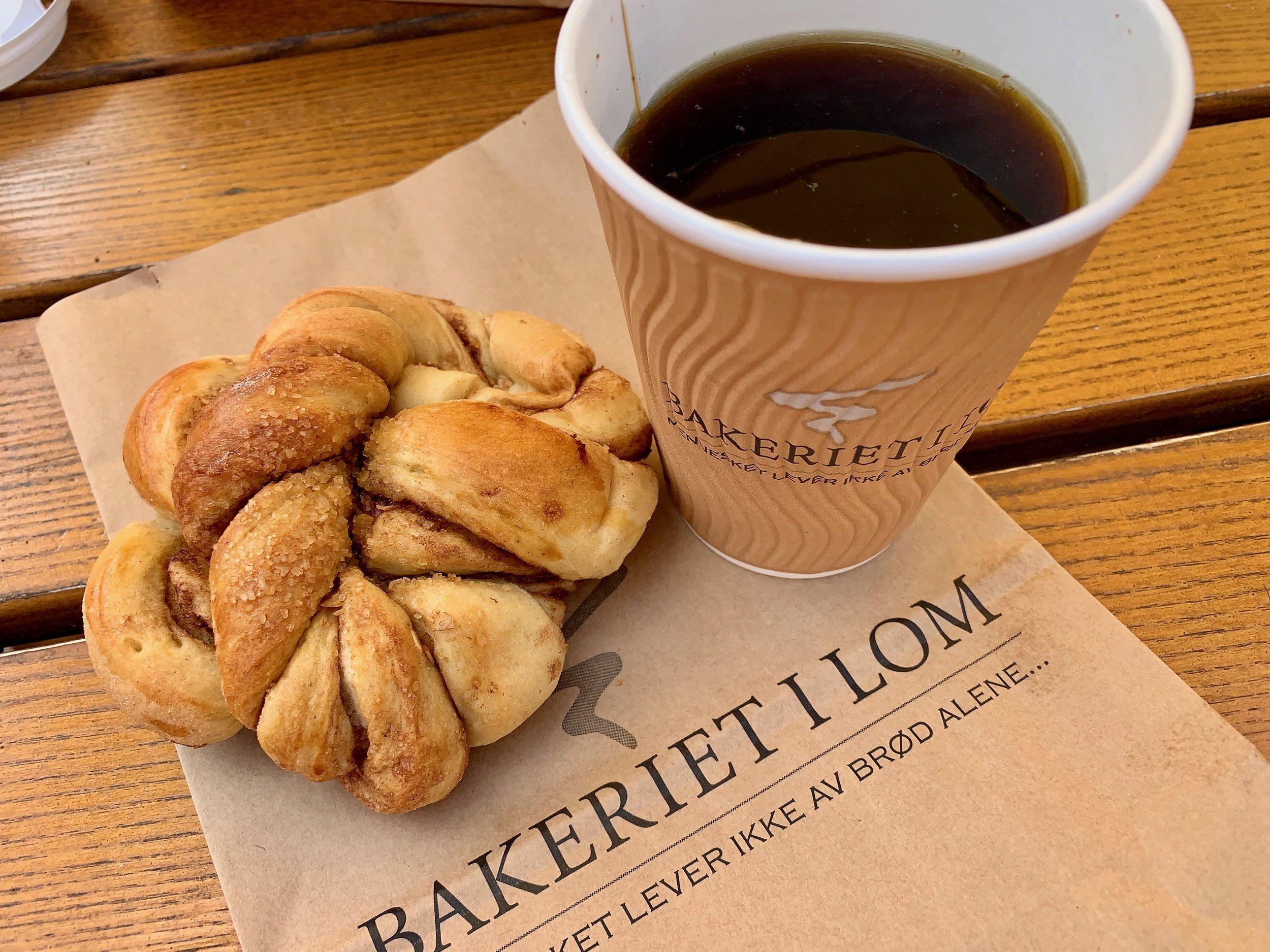 Gode nytelser. Du kan velge sunne og ikke fullt så sunne alternativer i fra bakeriet i Lom. Foto: Odd Roar Lange