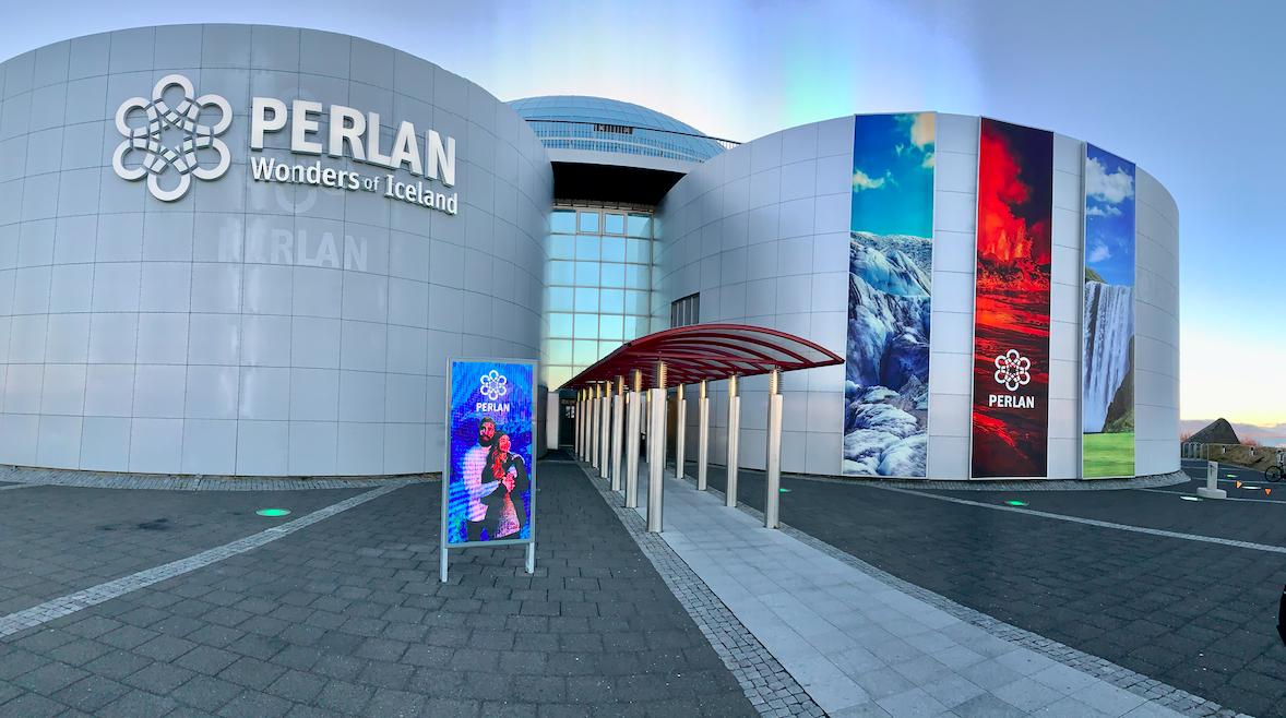 Perlan Museum er bygd i gamle vanntanker over Reykjavik sentrum. Foto: Odd Roar Lange