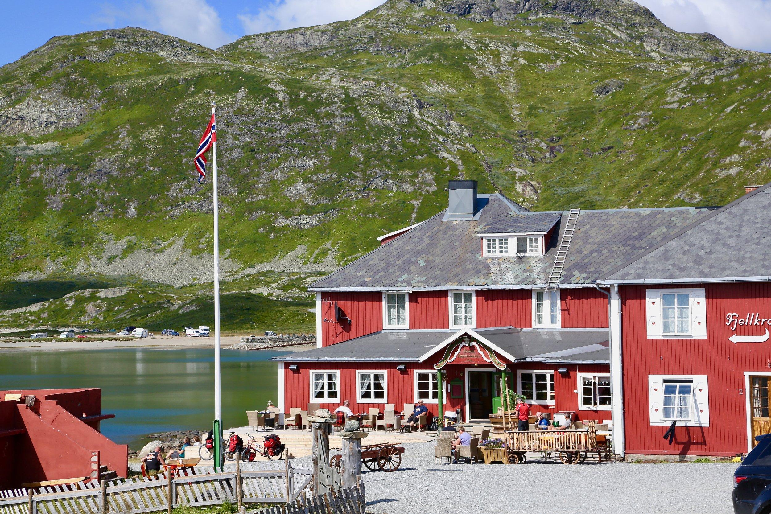 Turistveg: Den ene nasjonale turistvegen i Norge går over Valdresflya. Foto: Odd Roar Lange