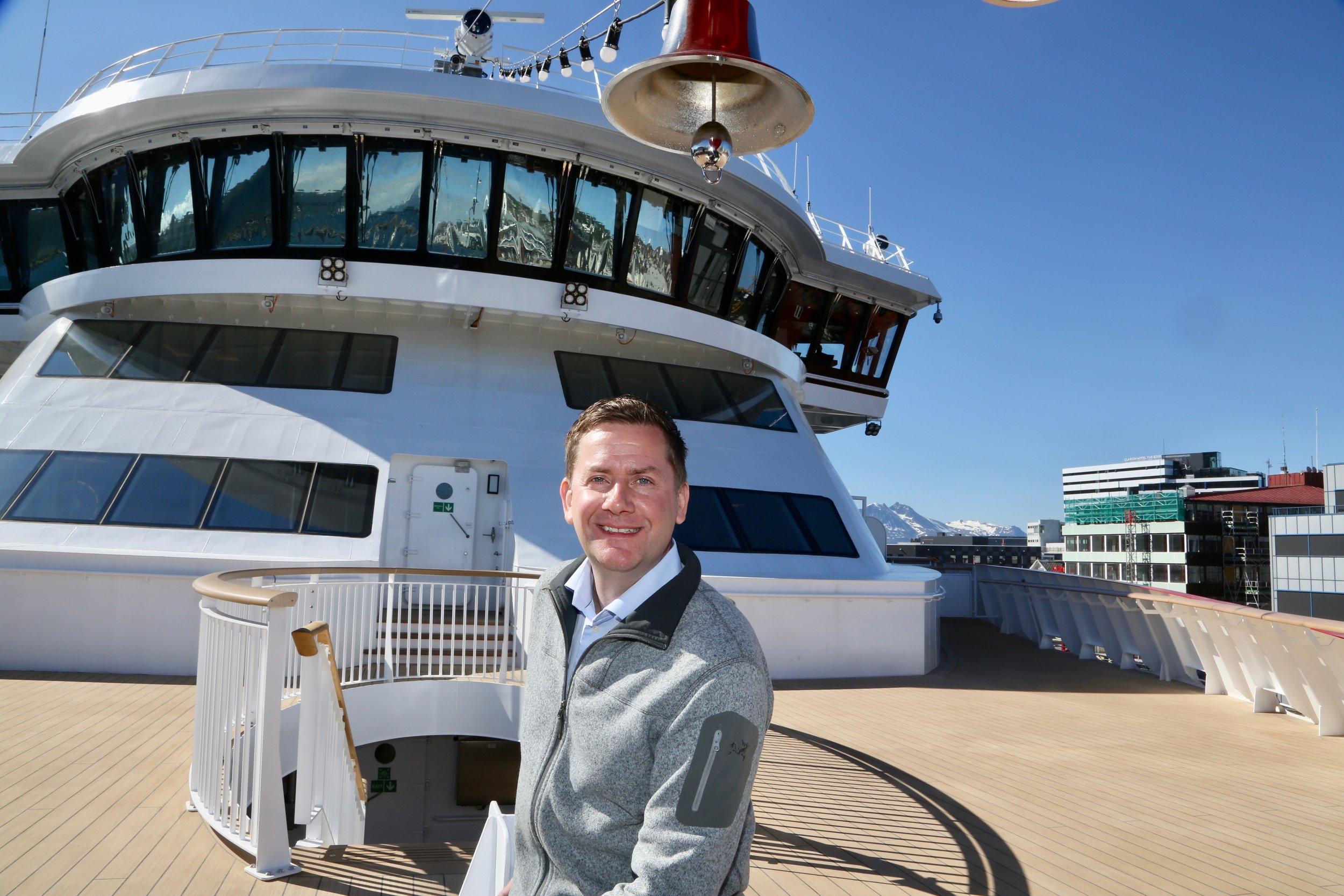 Hurtigruten og direktør Daniel Skjeldam vil øke helårsturismen langs flere norske kystreisemål. Foto: Odd Roar Lange