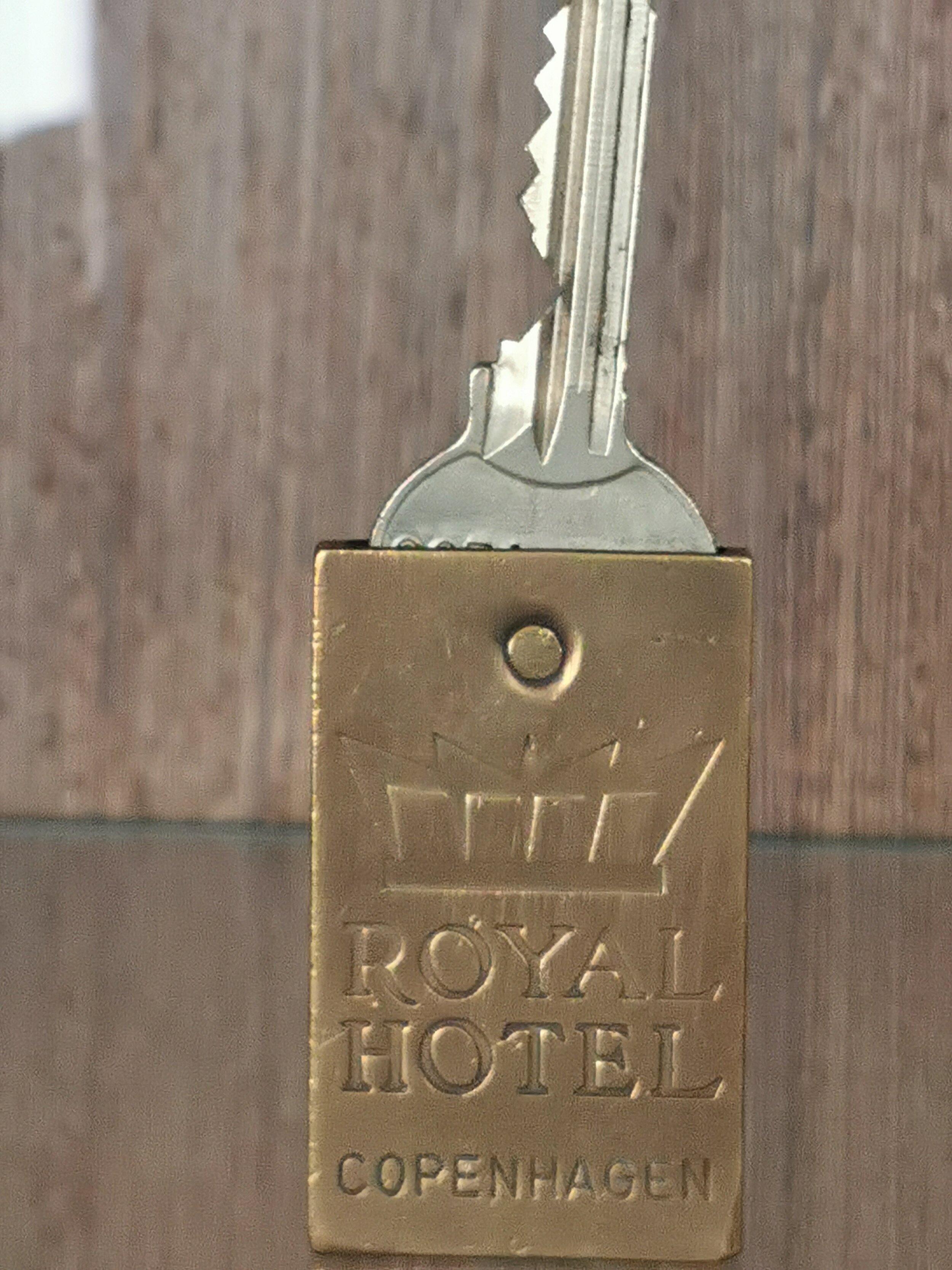 Det handler alltid om de små tingene. Som i den gamle nøkkelen til rommet. Foto: Odd Roar Lange