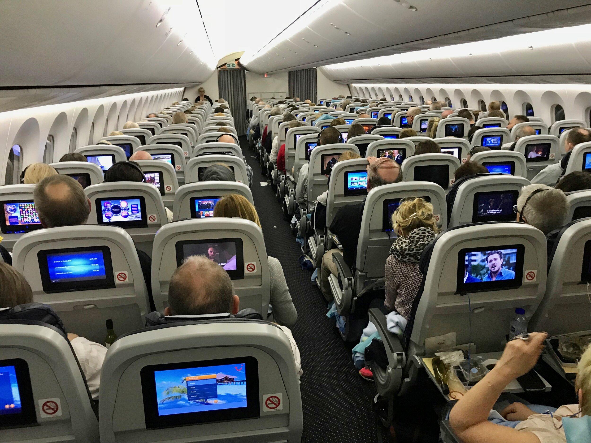 Hver fjerde av disse passasjerene har flyskrekk. Kanskje gjelder det deg? Foto: Odd Roar Lange