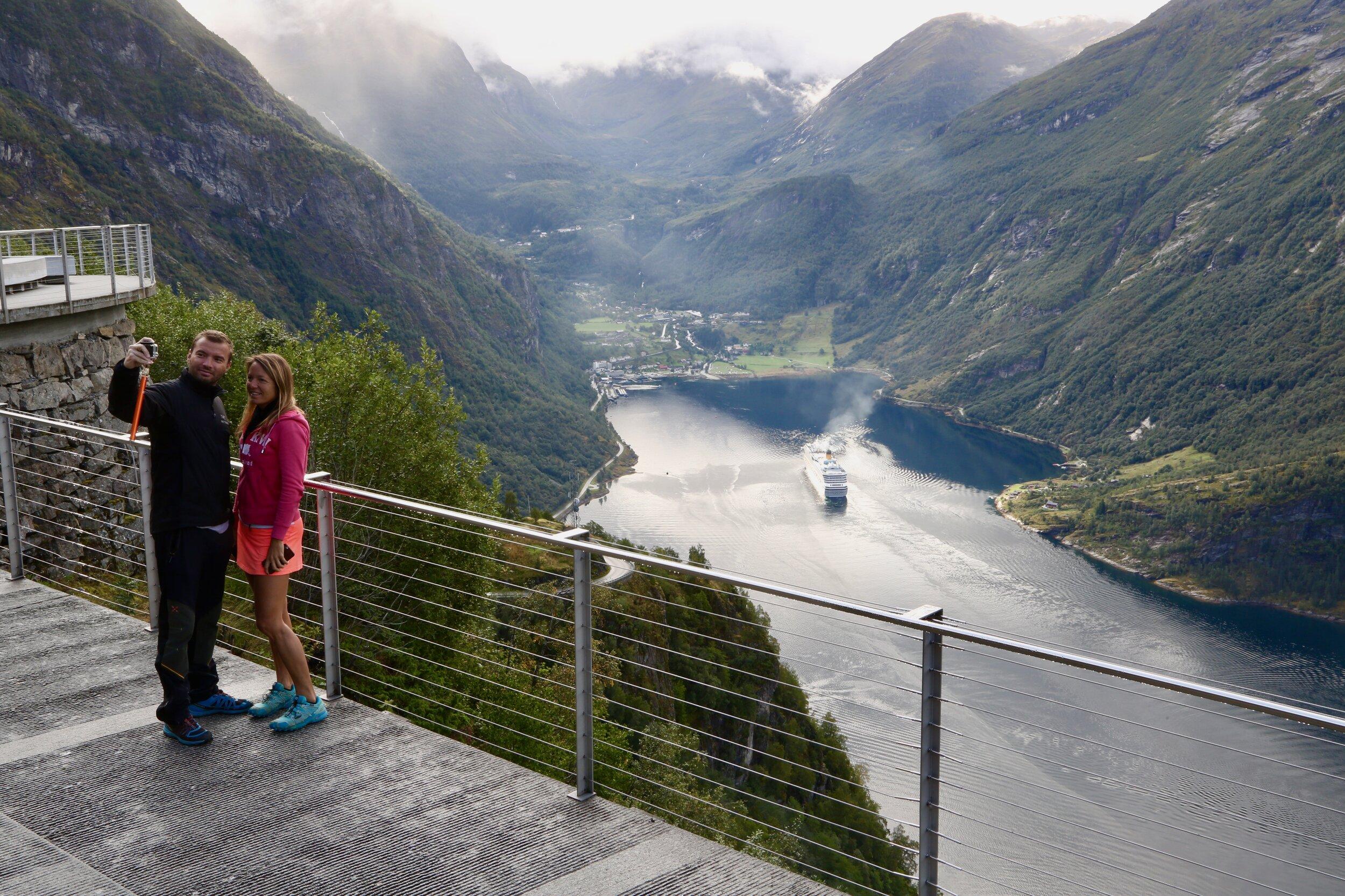 Hvor mye skal turistene tåle, spør ordfører Arne Sandnes i Møre og Romsdalkommunen Norddal.  Foto: Odd Roar Lange