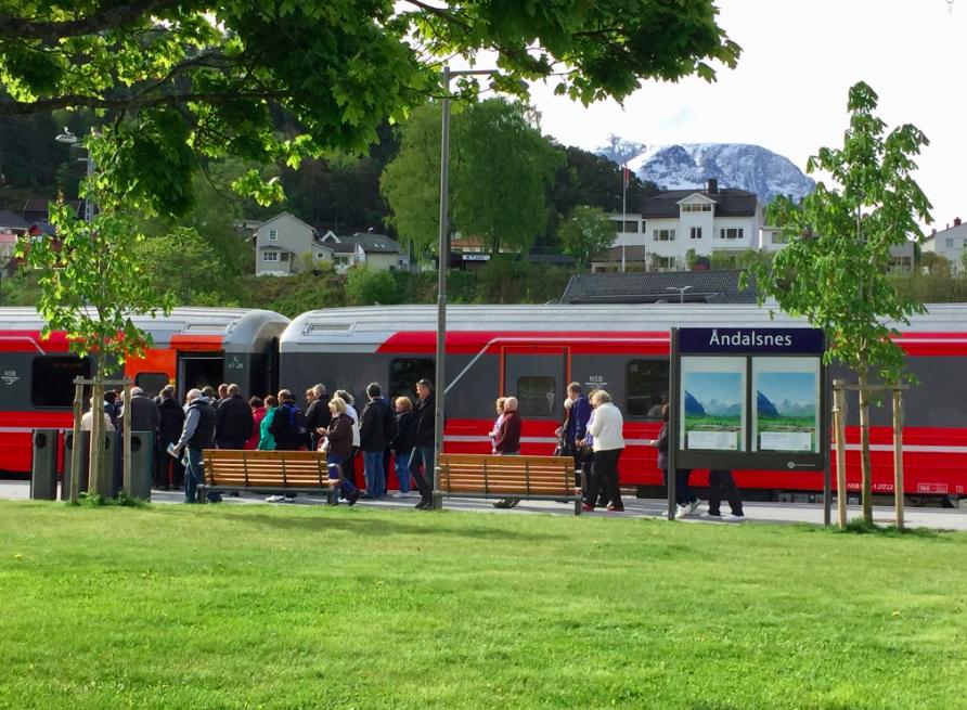 Raumabanen er populær blant turister. Nå blir det enda mer å glede seg over. Foto: Odd Roar Lange