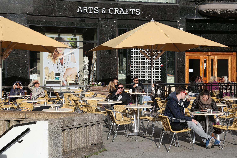Vil du være en kaffevert - på kafé eller hjemme hos deg selv? Foto: Odd Roar Lange
