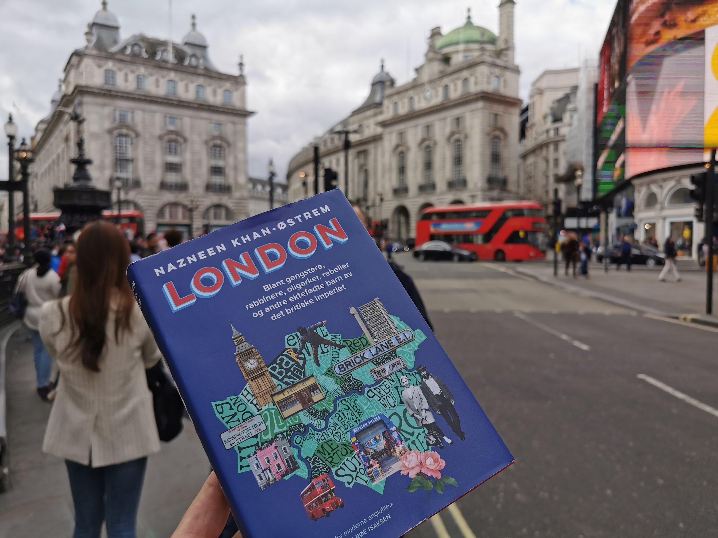 Velkommen til London. Men husk å lese denne boka først.                      Foto: Odd Roar Lange