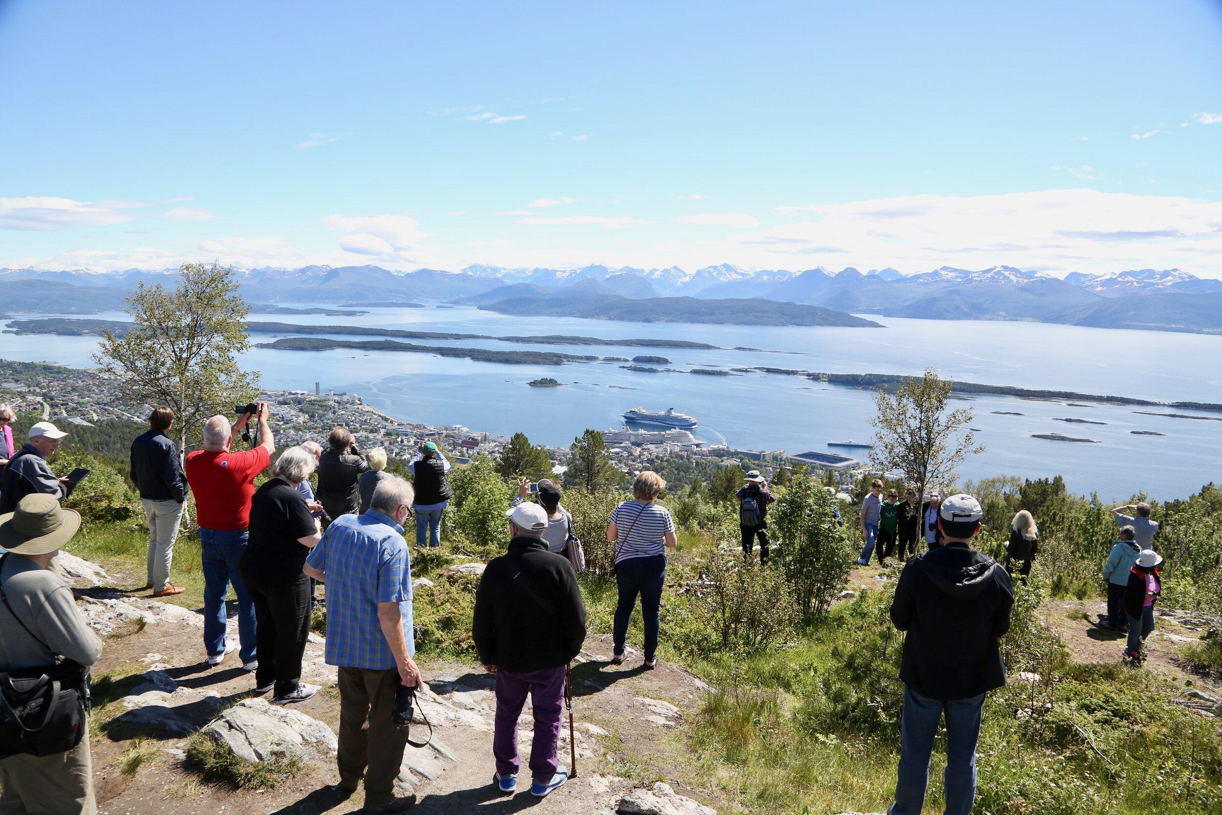 Hva er årsaken til at turister kommer til Norge. God markedsføring eller gunstig valutakurs? Foto Odd Roar Lange