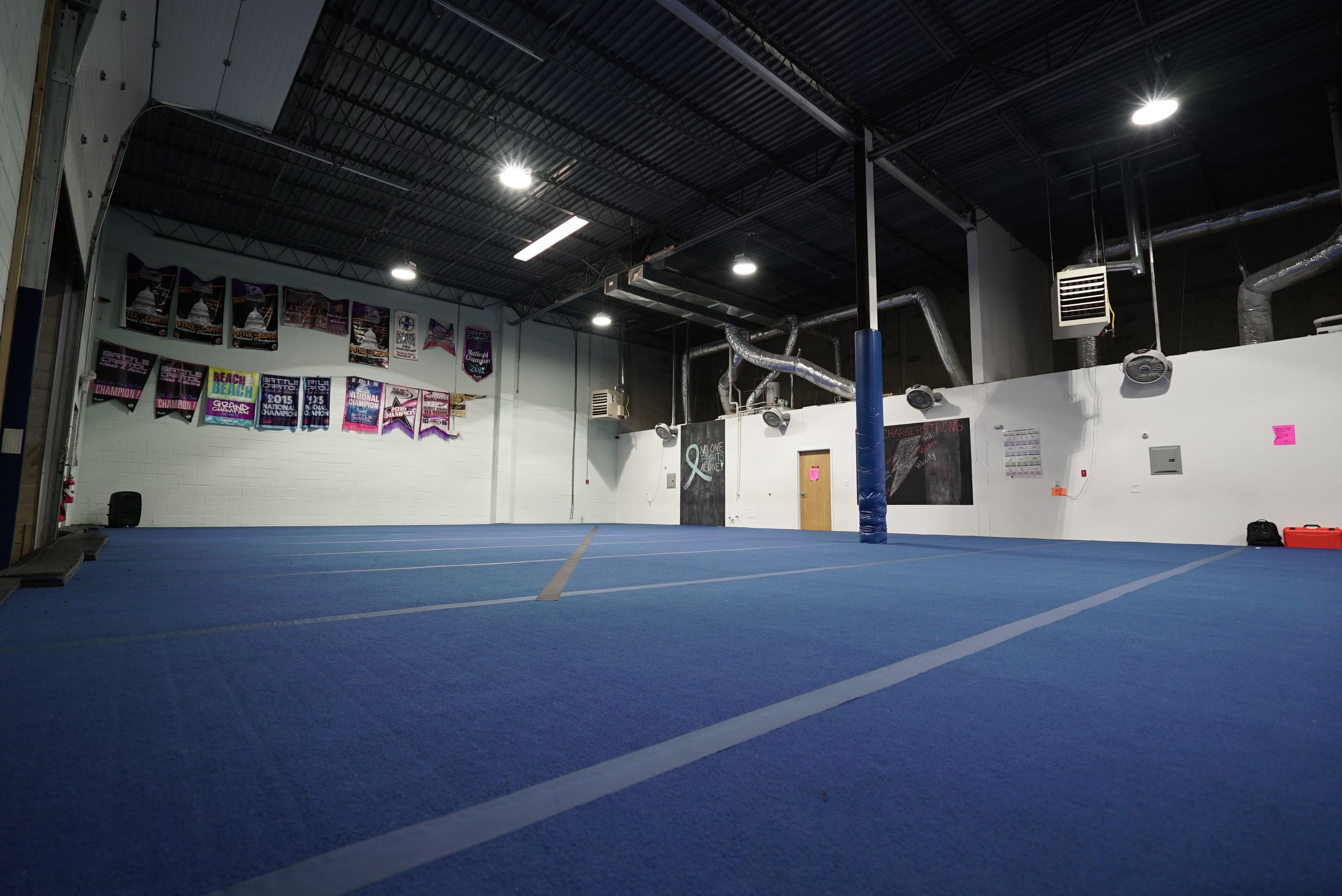 OUR HOME - IAT3C is the newest sports performance and training facility in located in Blackwood New Jersey! It was designed from the ground up for safety, fun and the purpose of teaching students and athletes the latest techniques in acrobatics/tumbling. The center comes equipped with a parent waiting area, full spring floor, Tumble Track and mats for our athletes to learn the highest level of training techniques in the safest environment possible.