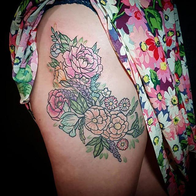 #flowers #flowerstattoo #peonytattoo #pasteltattoo #pastel #thightattoo #prettytattoo #floraltattoo #exeter #exetertattooist #uktattooartist #ukkta #tattooistartmagazine #tattoo #tattooistartmag #tattooedgirls #ink #tattooart
