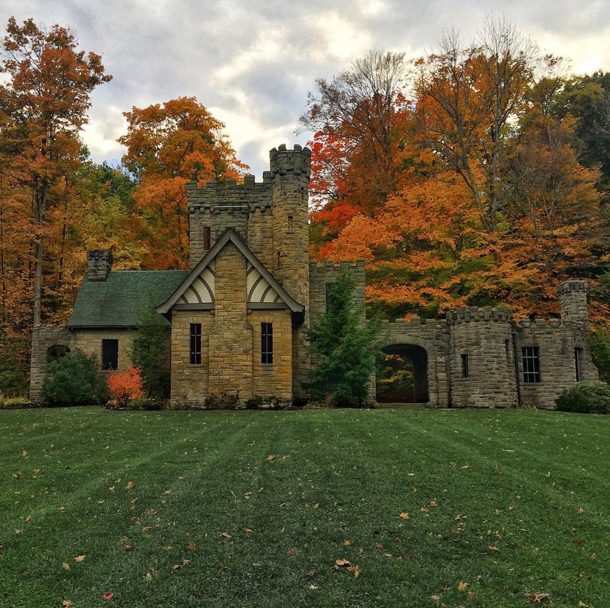 Photo by @yukoncolin at Squire's Castle in Willoughby Hills, OH