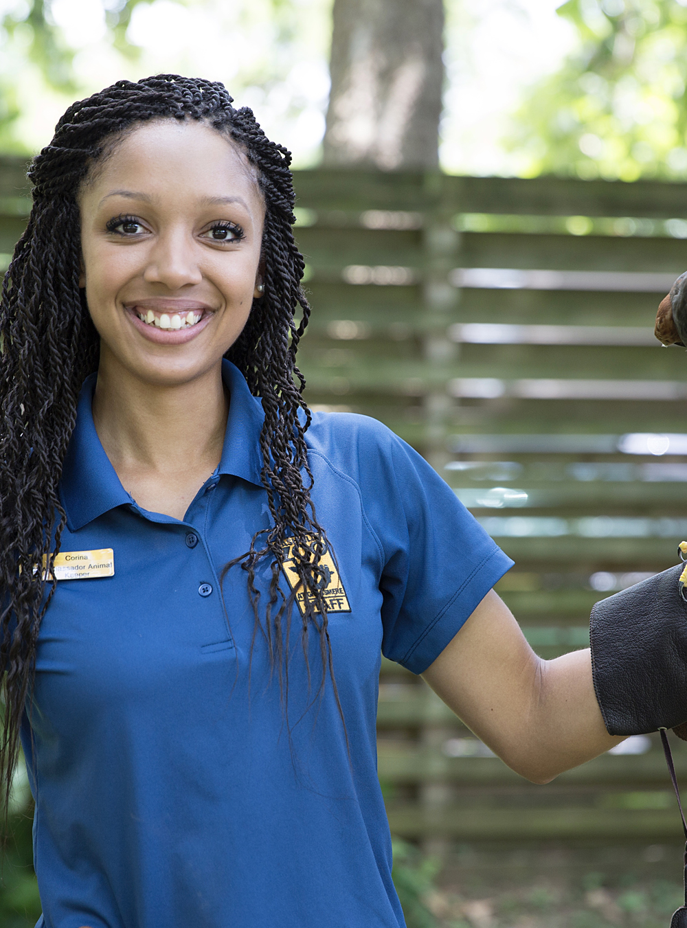 Corina Newsome, Zookeeper turned Biologist - Corina Newsome, AKA the Hood Naturalist, is a zookeeper turned biologist! As a Georgia Southern graduate student, Corina focuses on coastal research and field biology. And if you take one look at her Instagram, you'll quickly notice that she has a passion for animals of all kinds.