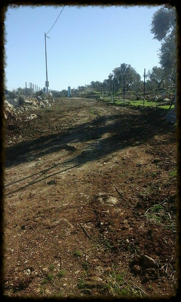 Asira Municipality Helps Pave Our Entrance