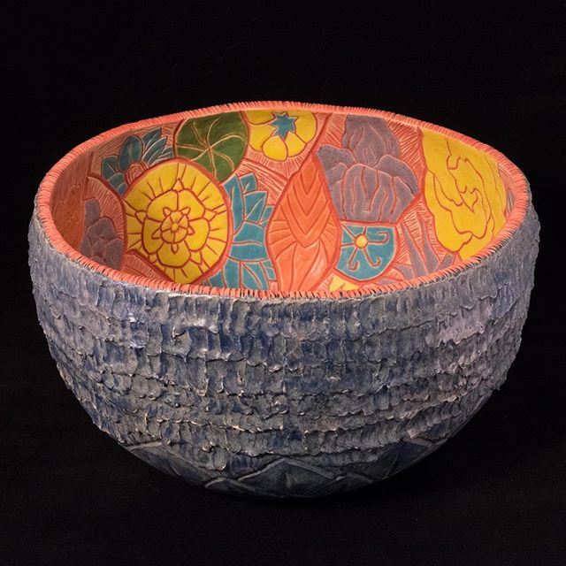 Spring is in the air, and in my new Inner Garden bowl! Come check it out at my booth this weekend at Spring Crafts at Lyndhurst! Friday May 4 to Sunday May 6! I'll be selling vases, tiles, trays, and some new extra large vessels. Hope to see lots of you there! #pottery #ceramics #floral #flowers #spring #westchester #hudsonvalley #tarrytown #westchestercounty #lohud #hudsonvalleyny #upstate #upstateny #shophandmade #buyhandmade #madebyhand #handcrafted #supportart #madewithabailey  @lyndhurst_mansion @lohud @westchestermagazine @artswestchester @news12wc @experiencewestchester @hudsonvalleyweekend @artridercrafts