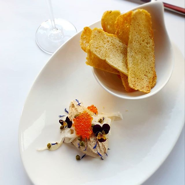 Tasmanian hot smoked trout pate, pickled fennel, salmon roe and house-made focaccia crisps. Best enjoyed with a delicious glass of Prosecco! #lovetasmania