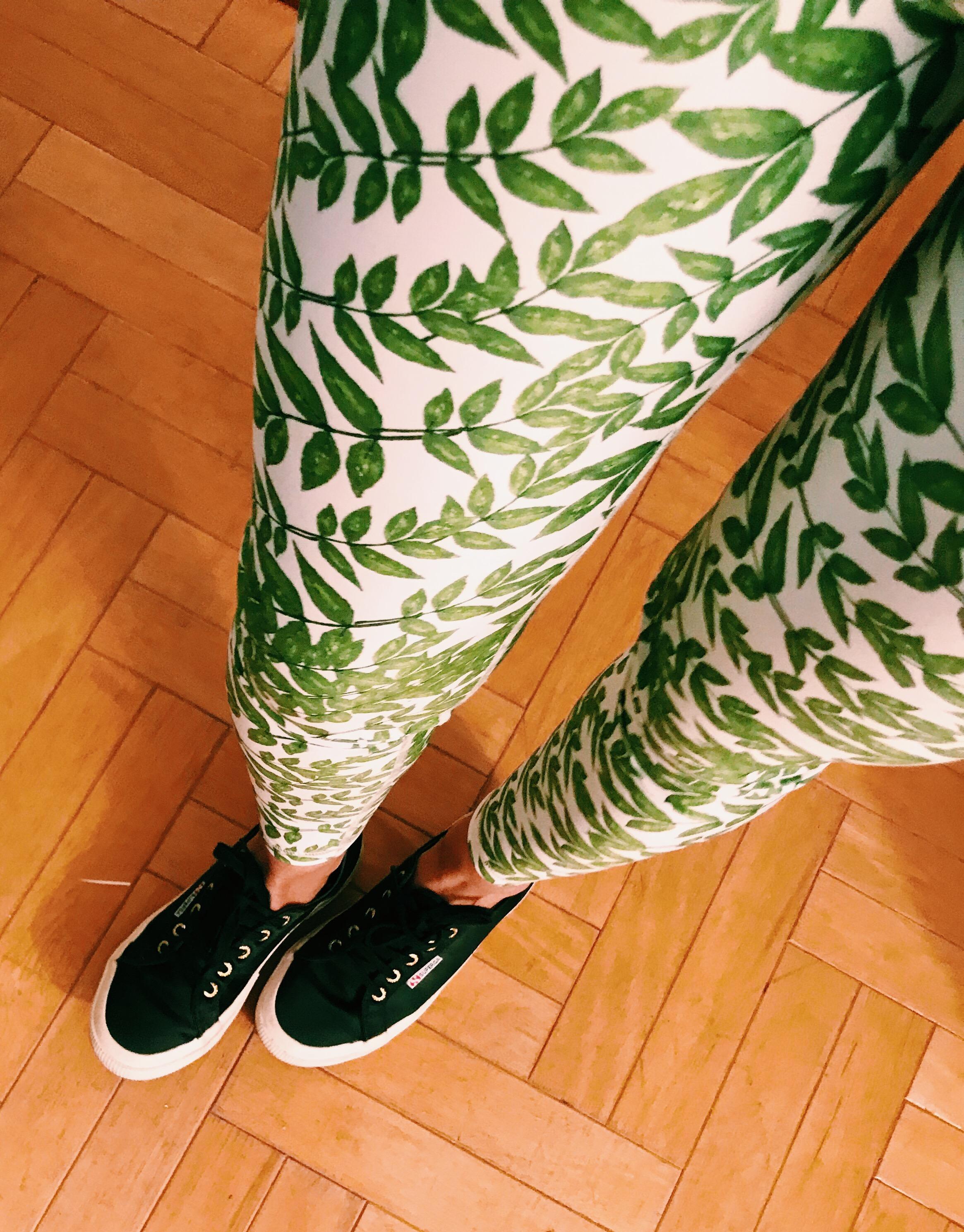 Yoga, Pilates & Barre - MAGARI Printed Leggings
