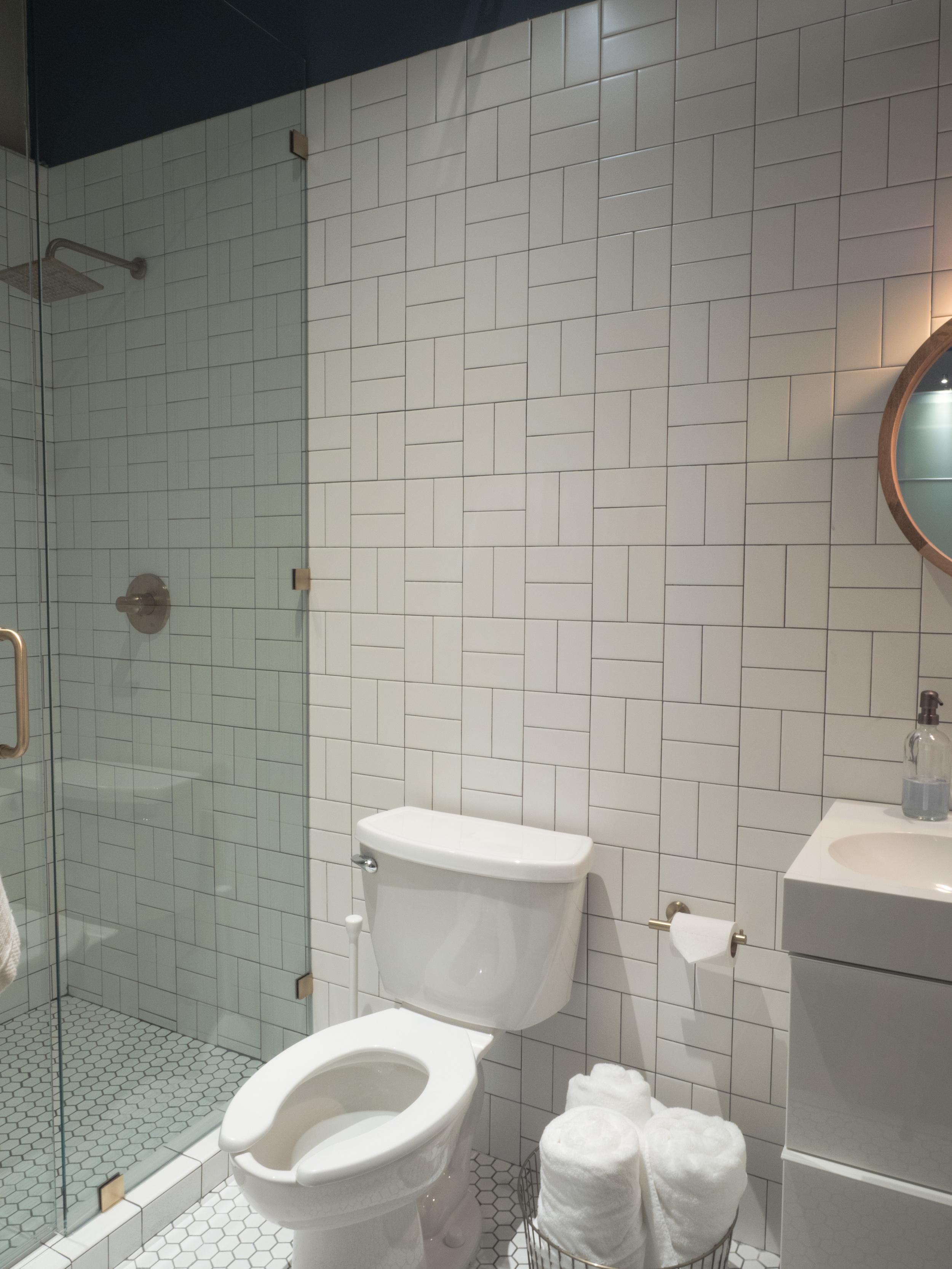 202 Bathroom 1.jpg