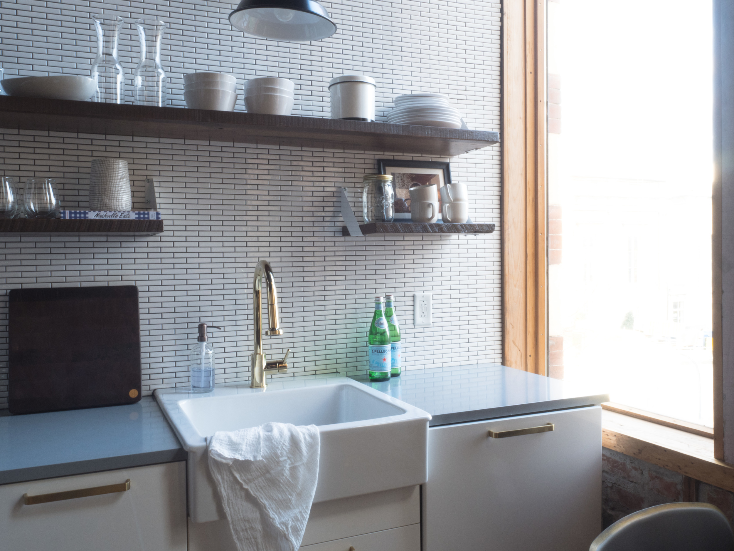 202 Kitchen.jpg