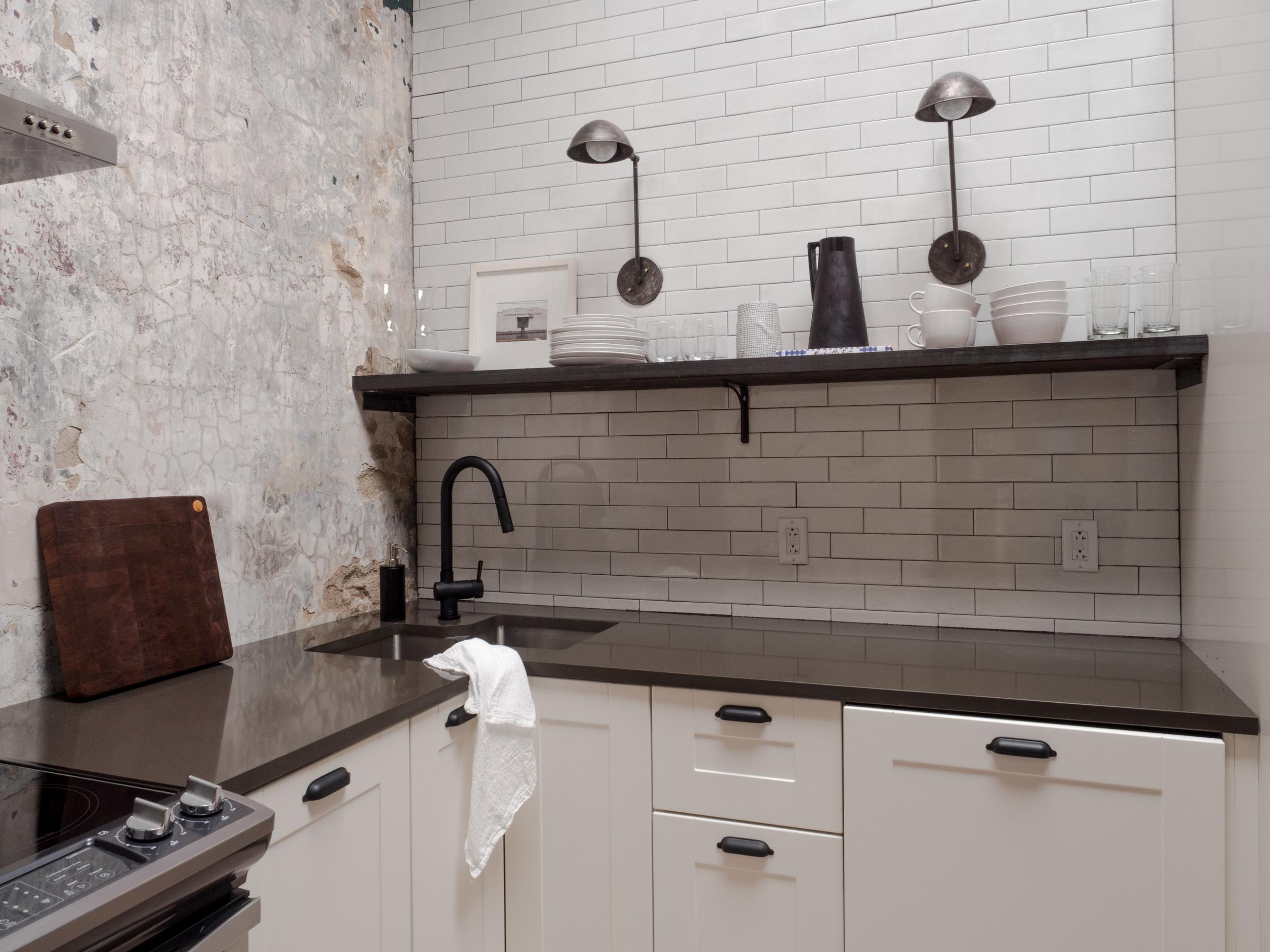 303 Kitchen 2.jpg