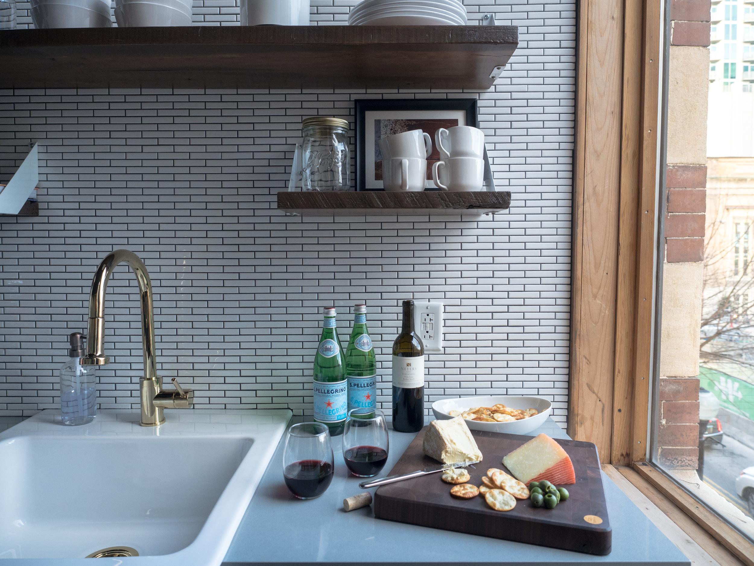 202 Kitchen 4.jpg