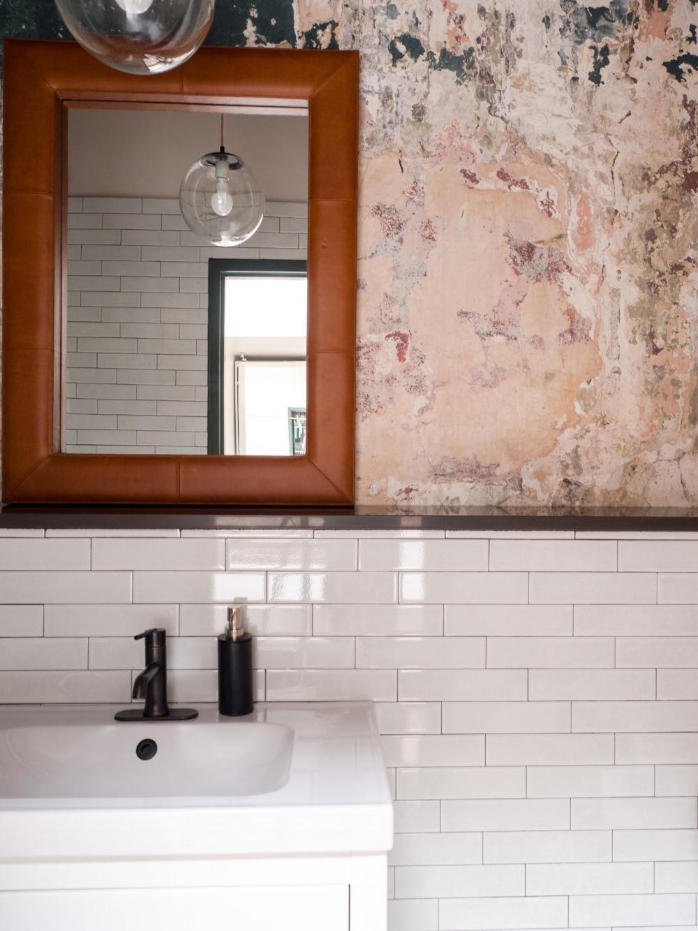 303 Bathroom 2.jpg