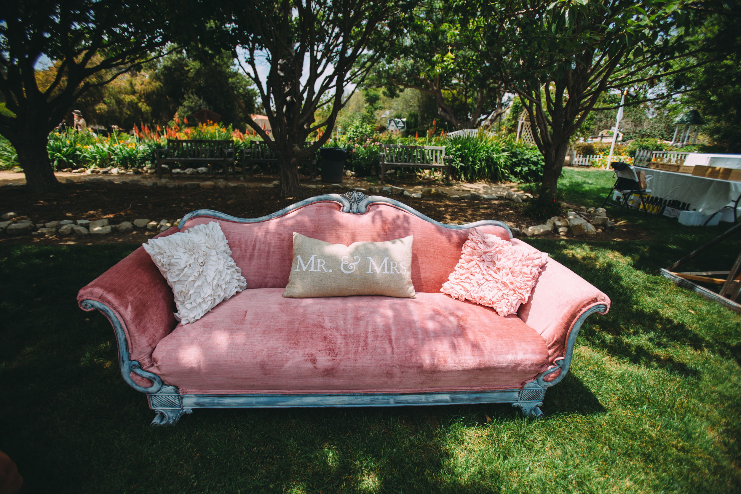 Vintage Seating Wedding Rentals in Southern California | Party Pieces by Perry