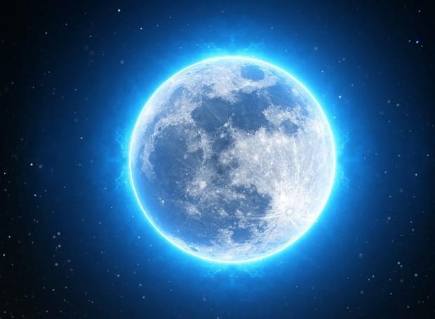 blue-moon-march-2018jpg-3a60d9e147e393bf.jpg