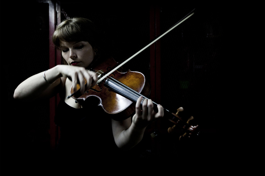 Paris-Violinist-Sarah5.jpg